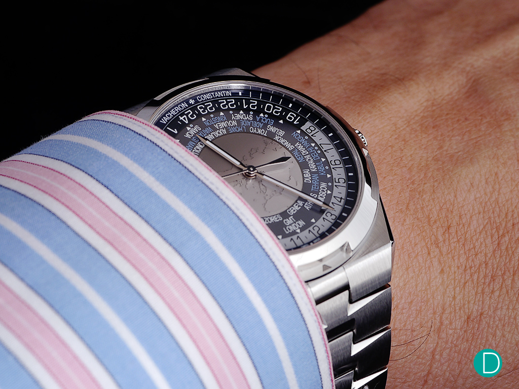 On the wrist, the VC Overseas World Time, here in blue, is very comfortable in spite of its 43.5mm case diameter. As noted, this comfort is probably contributed by the lugs which wrap around the wrists. In bracelet form, the watch replica has a nice heft, and feels very robust.