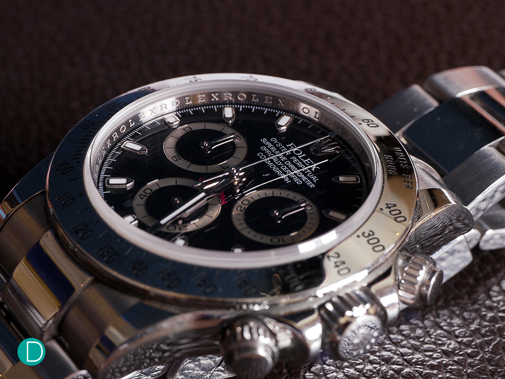 A popular watch replica for many seasoned collectors, beginners and casual watch replica users, the Rolex Daytona fits the purpose in most situations be it dressy or casual.