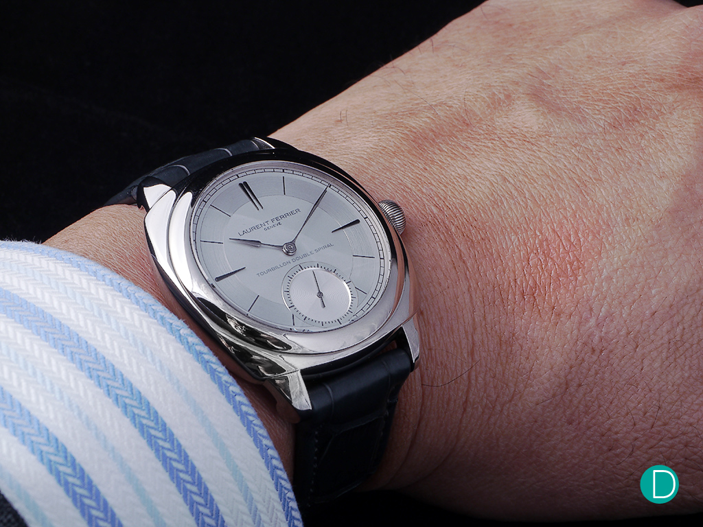 On the wrist, the watch replica feels comfortable. The square shape is rounded and almost morphs into a cushion shape, and looks rather attractive.