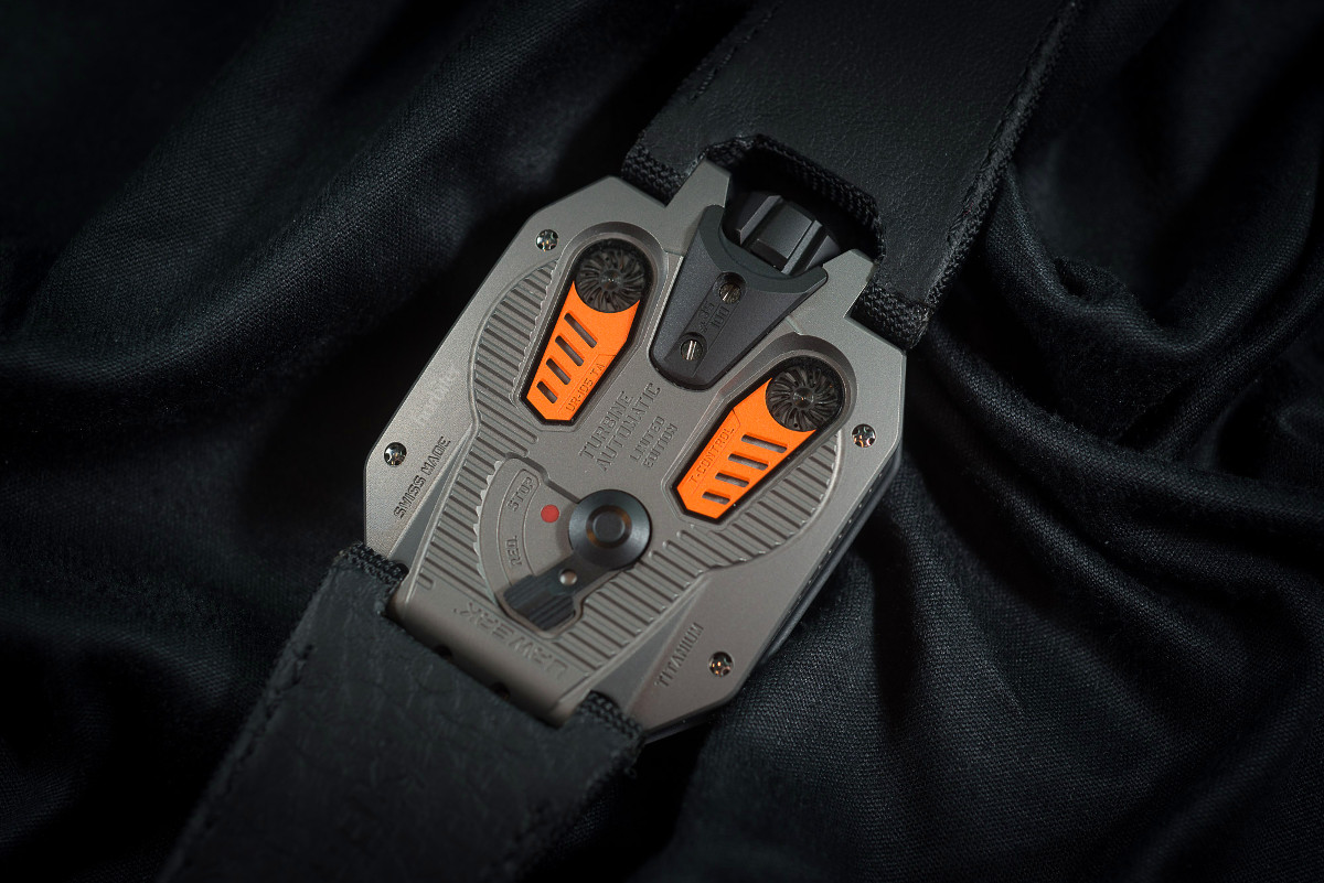 Urwerk UR-105 TA Clockwork Orange 6