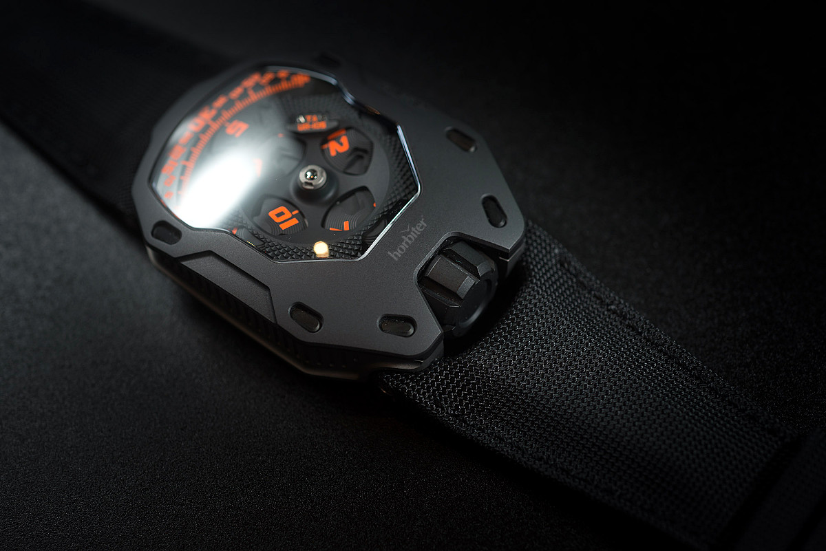 Urwerk UR-105 TA Clockwork Orange 3