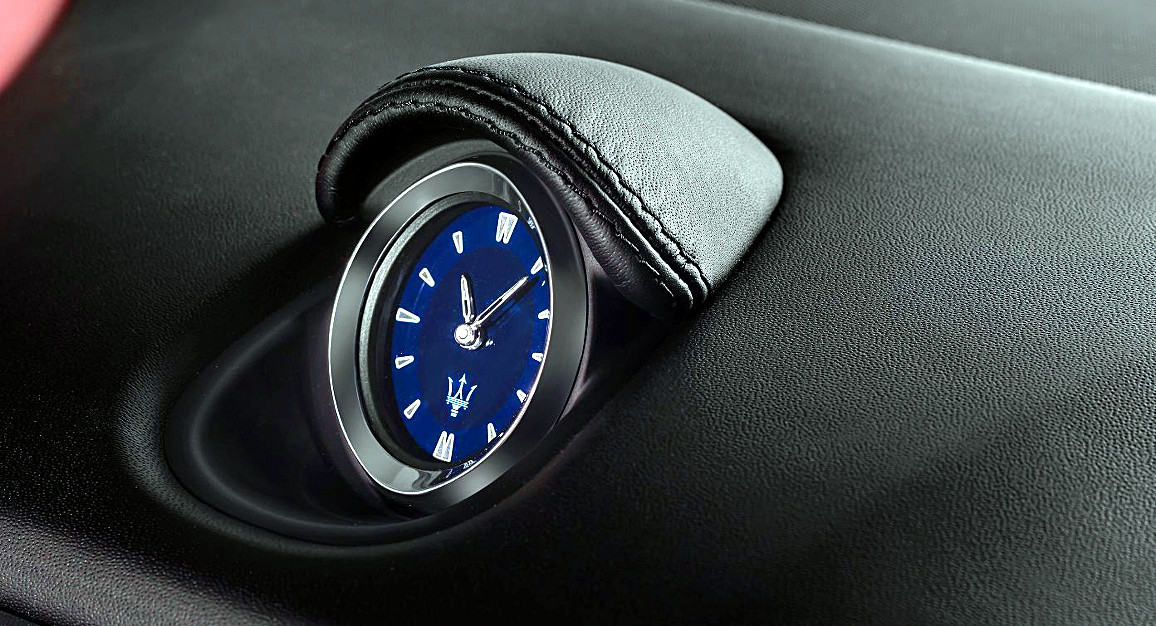 Maserati-Ghibli-dettaglio-orologio Car and watch replica es replica